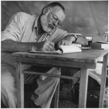 Ernest_Hemingway_Writing